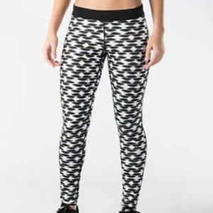 🍁SALE🍁 EUC Nike black and white running leggings